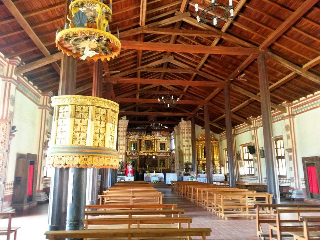 El interior de este templo contaba con un coro muy bien cuidado, modificado como me dijeron, todo se veía casi nuevo, era la iglesia más visitada